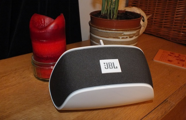 JBL Soundfly Air Grey & White