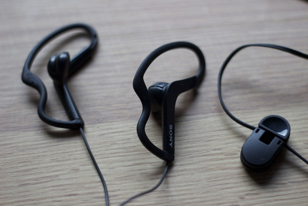 Sony MDR-AS200 Black