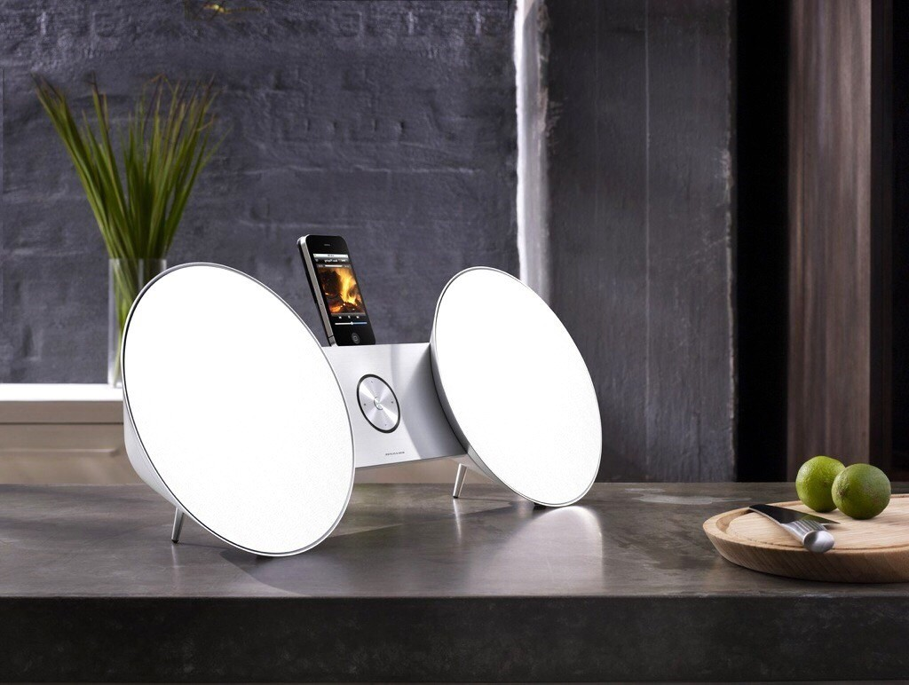 Bang & Olufsen BeoPlay A8 White